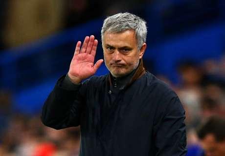 Neville respalda la llegada de Mourinho