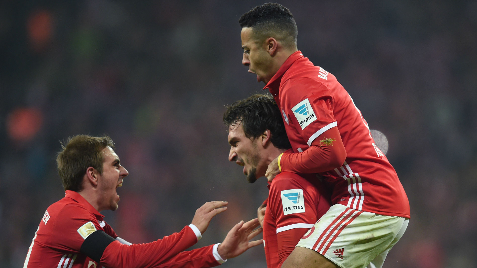 Ribery extends Bayern Munich contract by a year to 2018 class=