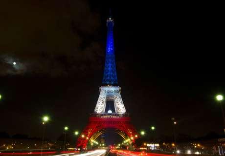 Football honors Paris anniversary