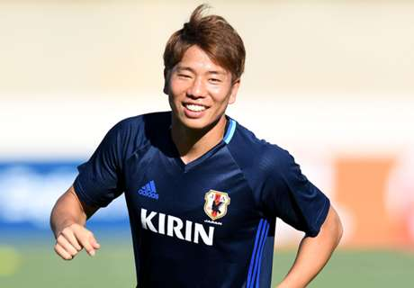 Asano refused Arsenal work permit