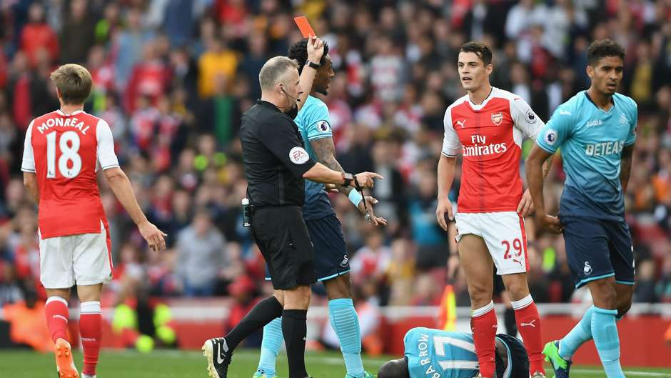 Granit Xhaka Premier League Arsenal v Swansea 161016