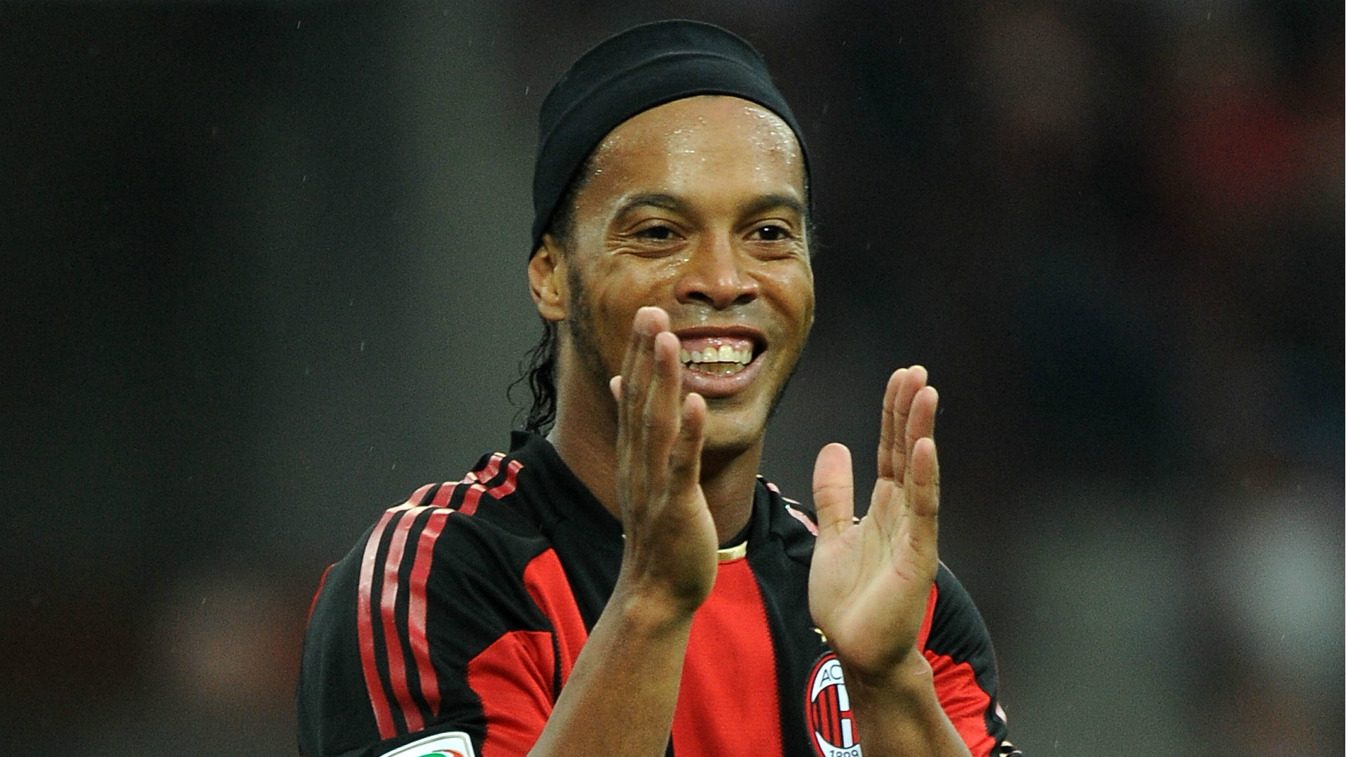 http://images.performgroup.com/di/library/GOAL_INTERNATIONAL/8/f8/ronaldinho-ac-milan_kqet4xh3sr311df6ew77ldrxt.jpg?t=1671444360