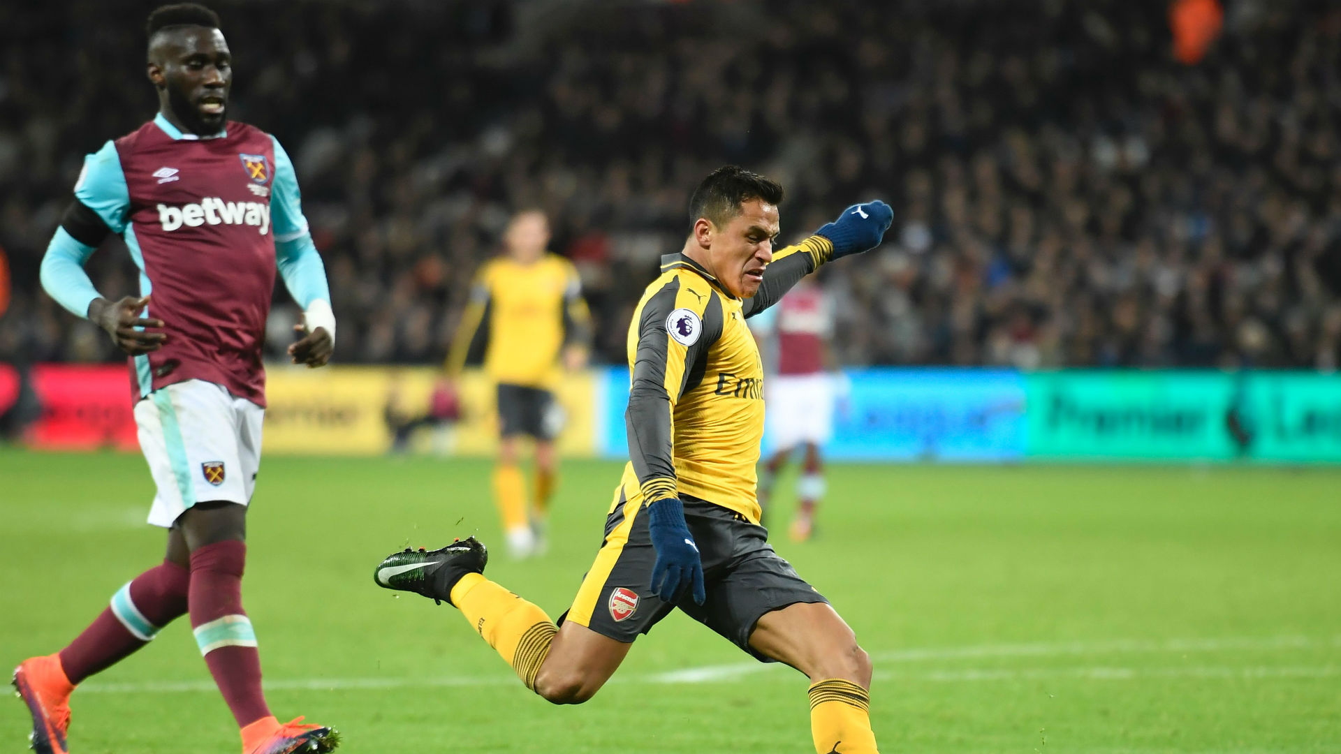 Arsene Wenger: Why Alex Oxlade-Chamberlain is playing with freedom and power