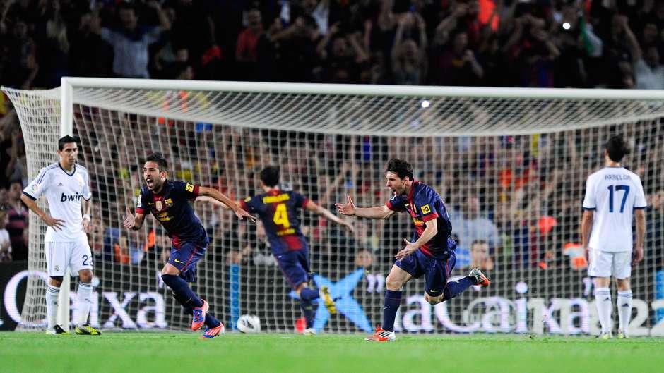 Lionel Messi Barcelona Real Madrid 2012 freekick