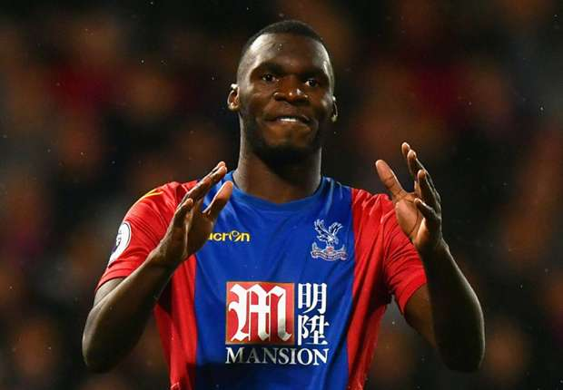 Crystal Palace warn Benteke not for sale amid Chelsea rumours