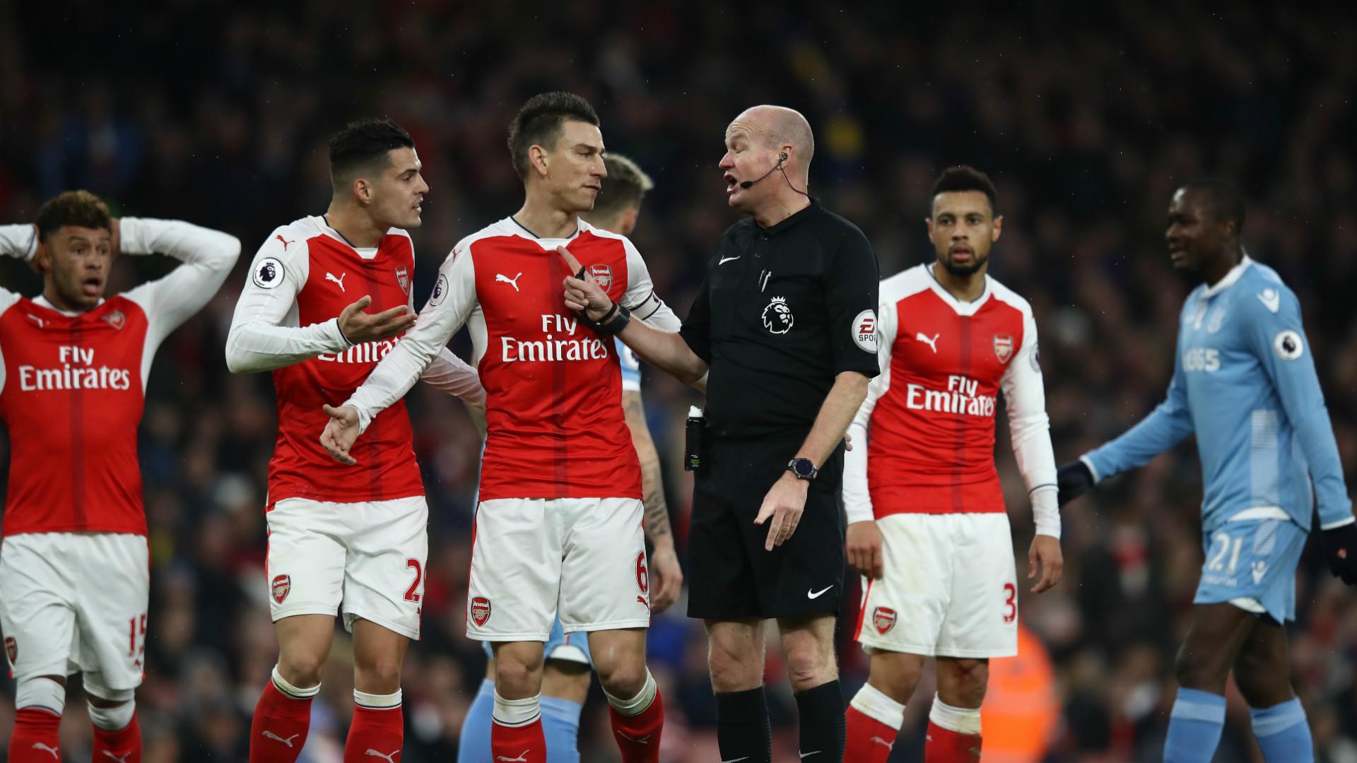 Arsenal remonto y se acerca al liderato vencio 31 al Stoke