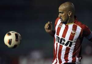 Für die meisten Fußballer ist im Alter von 35 oder 36 Schluss. Nicht so für Juan Sebastian Veron und Co. Goal zeigt Euch eine Auswahl der ältesten ehemaligen und aktiven Fußballer.