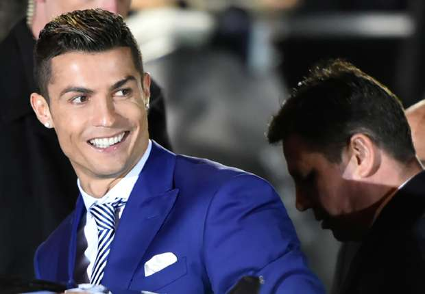 Ronaldo wins the Salon d'Or again!