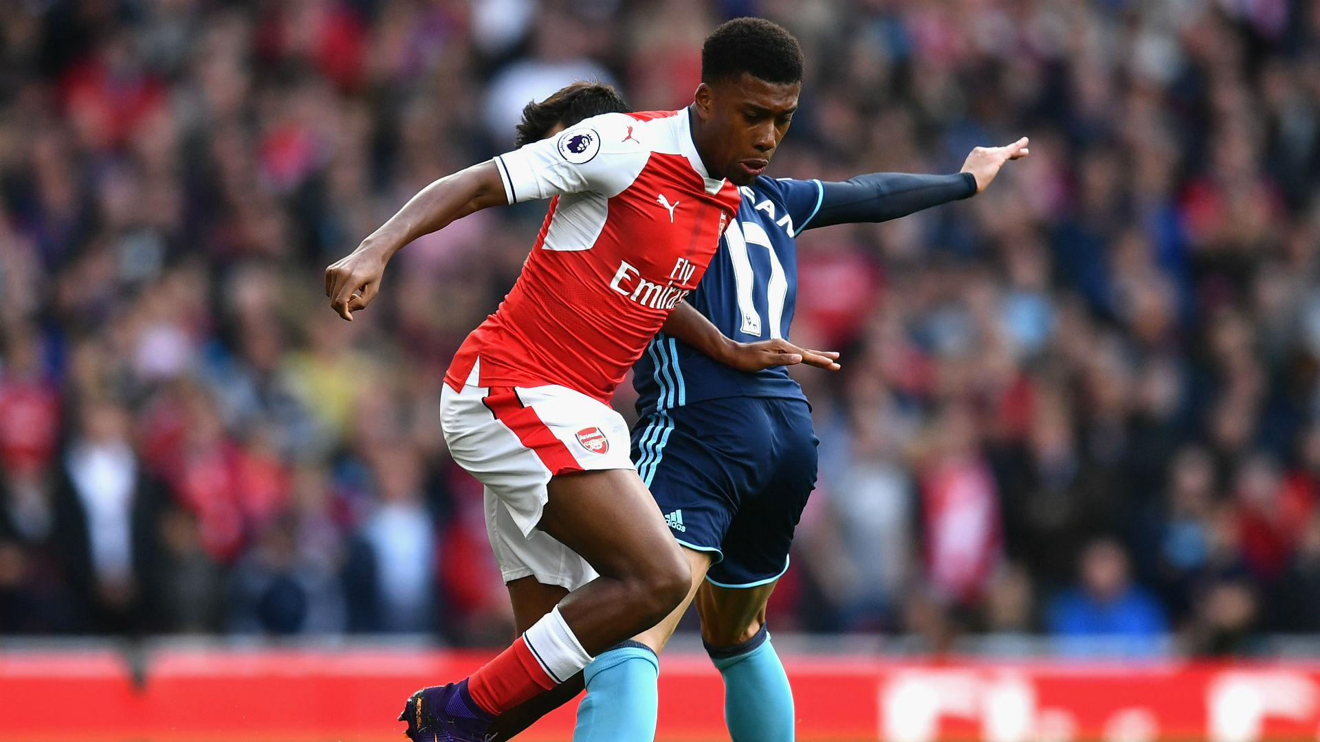 Alex Iwobi Not Intrested In Leaving Arsenal, Declares His Father