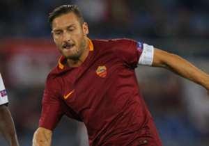 Italiens Legende Francesco Totti absolviert am Sonntag sein letztes Spiel für die Roma. Goal zeigt weitere große Spieler, die 1976 geboren wurden.