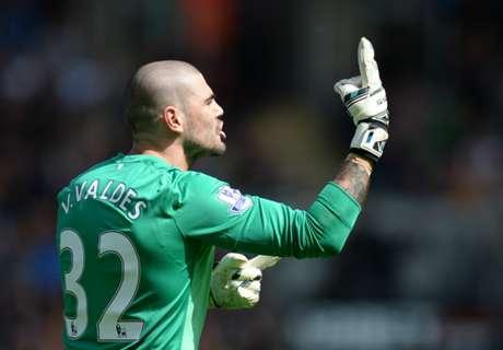 Valdés agarró del cuello a un rival