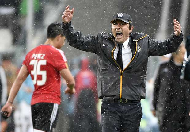 Conte fumes at Benfica 'time wasting'