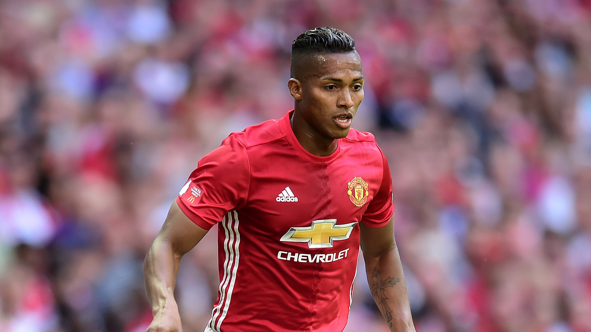 manchester united  longue absence pour valencia
