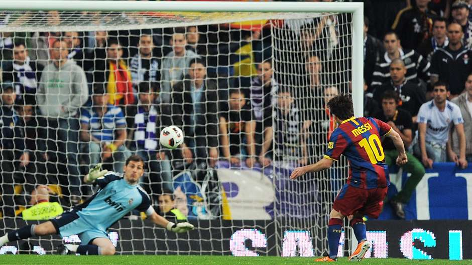 Lionel Messi Barcelona Real Madrid 2011 penalty