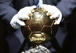 Mientras que Lionel Messi sigue acumulando Balones de Oro, muchas otras estrellas se quedaron con las manos vacías. Aquí, una lista de los 50 jugadores más destacados que nunca fueron premiados.