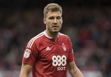 Bendtner starts against Arsenal