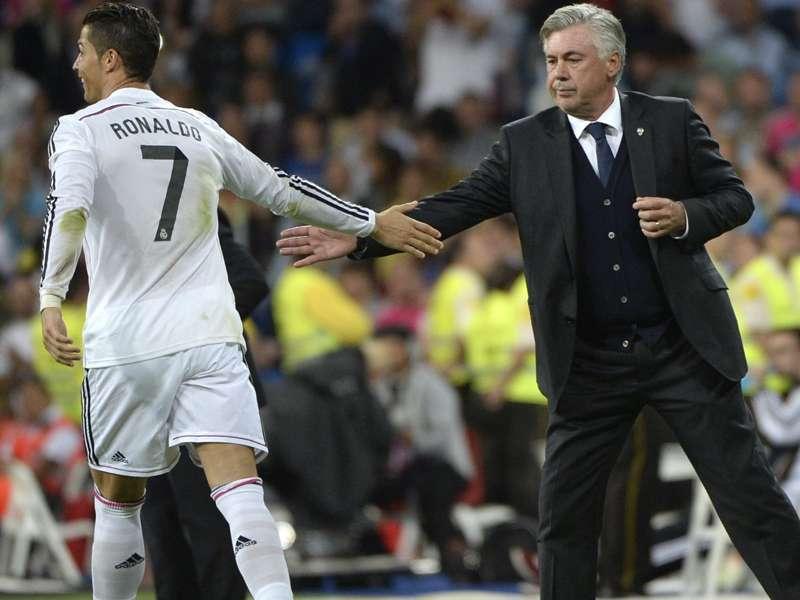 """""""Nunca treinei um jogador que marca um gol por jogo"""", diz Ancelotti sobre Cristiano Ronaldo"""
