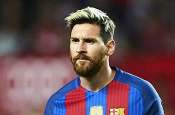Puyol & Pique: Messi to extend contract
