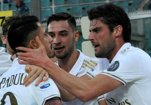 Palermo 1-2 AC Milan: Late Lapadula strike gives visitors victory