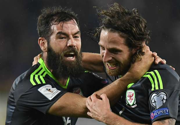 Austria 2-2 Wales: Dragons grab point in Vienna