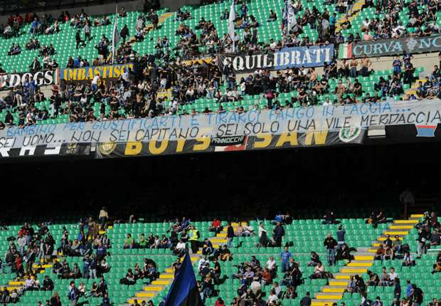 Inter threaten to strip Icardi of captaincy as fans unveil 'piece of s***' banner