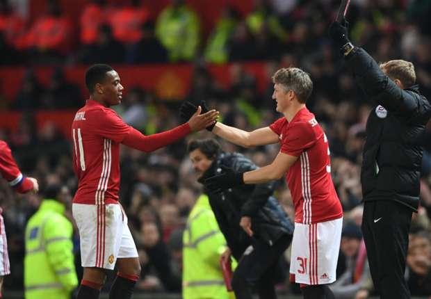 'Amazing evening, perfect result' - Schweinsteiger thanks Man Utd fans after shock return