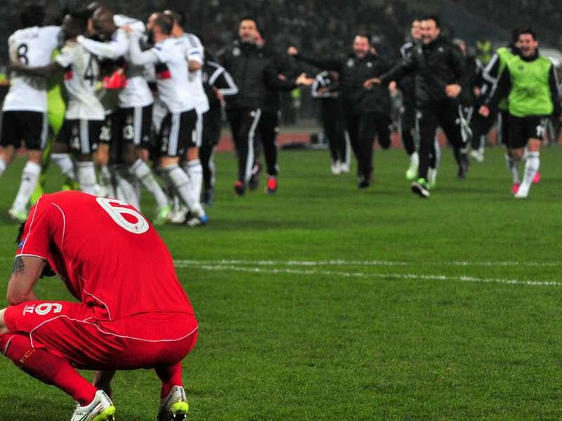 Regardez le tir manqué de Liverpool et toutes les moments forts de l'UEFA Europa League