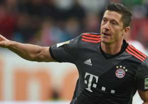 3) ROBERT LEWANDOWSKI, Bayern Monaco - 40 goal (28 Bundesliga, 7 Champions, 5 Coppa di Germania)