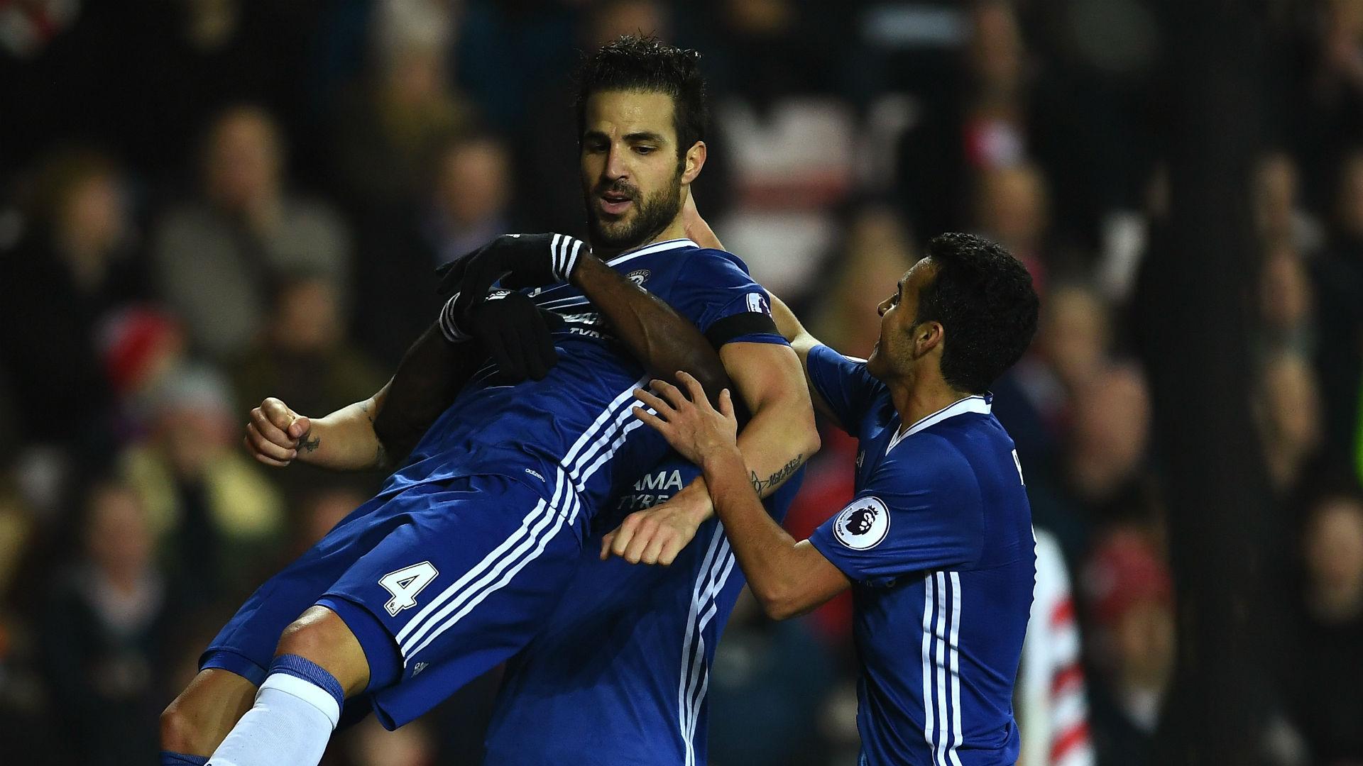 El solitario gol de Cesc Fábregas coloca al Chelsea más líder
