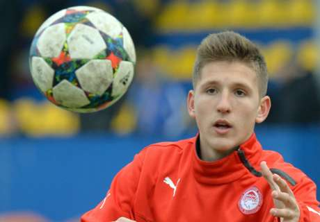 Arsenal scout Olympiakos teenager