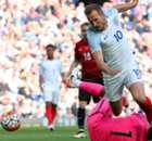 Kane & Vardy Menangkan Inggris