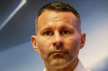 Giggs hits out at 'laughing' Man Utd players following Chelsea battering