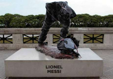 Messi statue cut in half