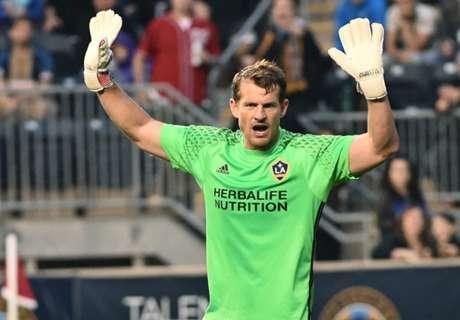 Veteran goalkeeper Kennedy retires