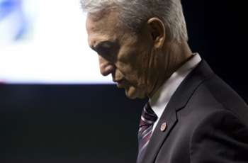 Canada, Benito Floro part ways