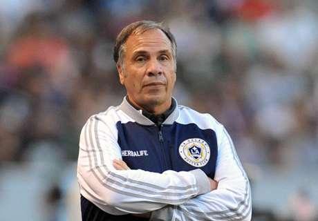 Galaxy-coach verdedigt Nigel de Jong