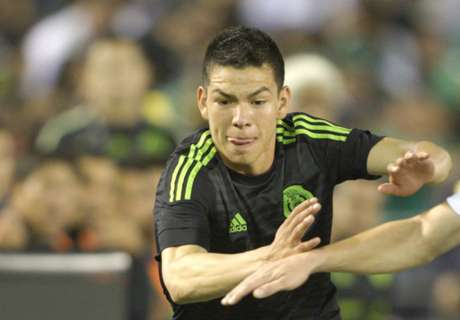 Lozano cools Man Utd links