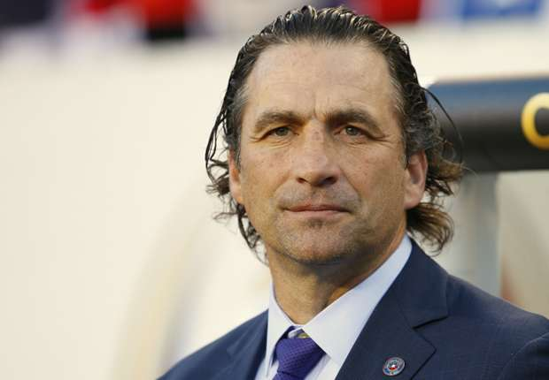 Chile's Pizzi calls Messi the best of all time