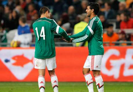 Vela, Chicharito Going For Gold Cup