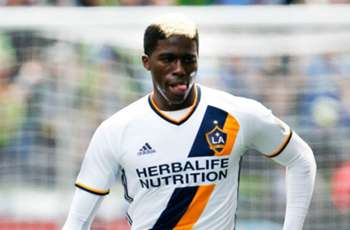 Sources: Gyasi Zardes sidelined by broken foot