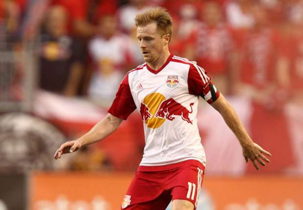 Sources: Dax McCarty signs new deal with Red Bulls