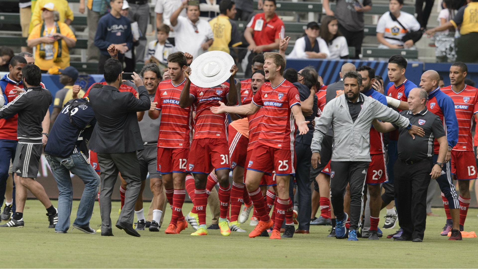 Walker Zimmerman FC Dallas Supporters Shield MLS 10232016