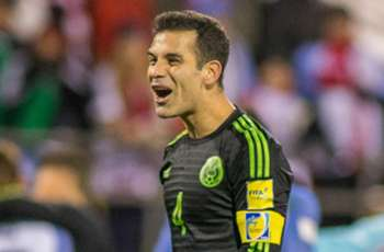 Has former Barca star Marquez publicly opposed Trump's wall with clever free-kick video?