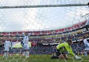La figura de Independiente había ingresado por Di María unos minutos antes y se encargó de clavarla en el segundo poste para cerrar el triunfo argentino.