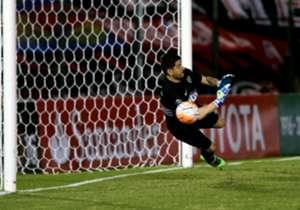 Agustín Orion le tapó un penal a Domínguez. Después, cuando el partido iba 2-0, no pudo con el tiro del paraguayo que descontó.