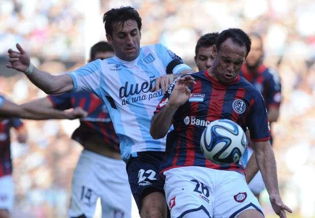 Diego Milito recibió una ovación al ser reemplazado