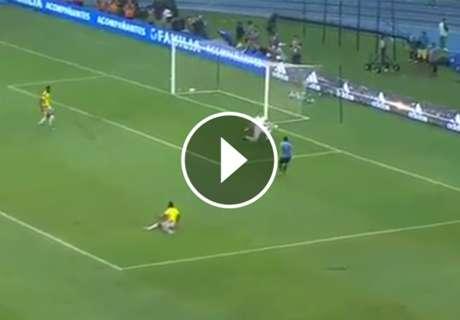 ► Error de Murillo y gol de Suárez