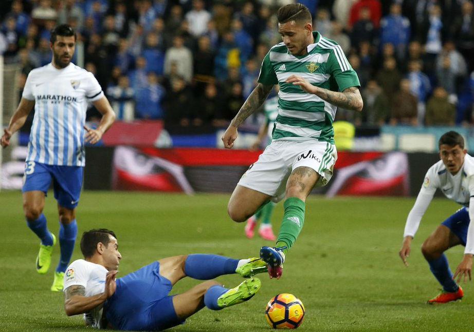 Real Sociedad gana en Sevilla y entra en la