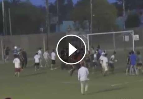 ► Brutal agresión a un árbitro