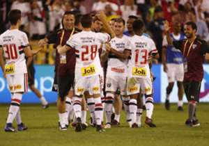 Sao Paulo festeja luego de ganarle a River.
